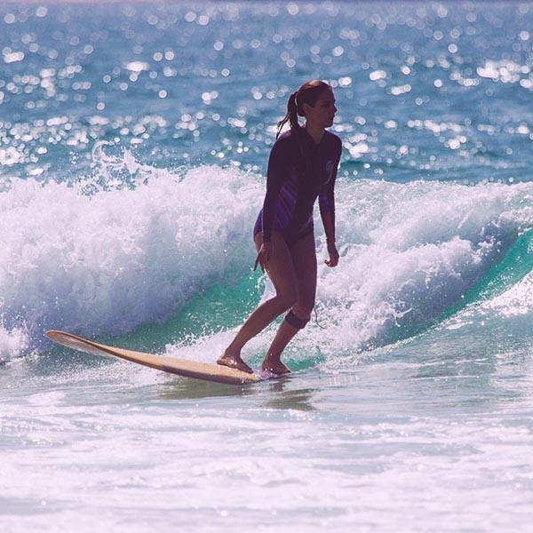 Longboard Surf Girl