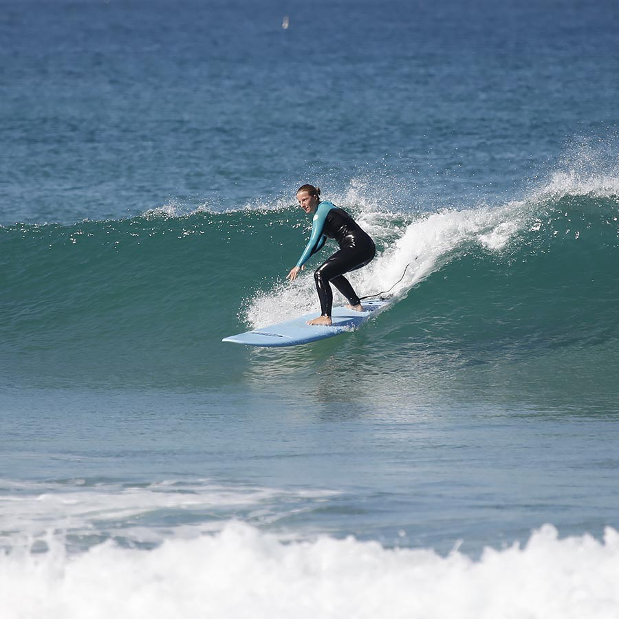 Intermediate Surfcamp Girl