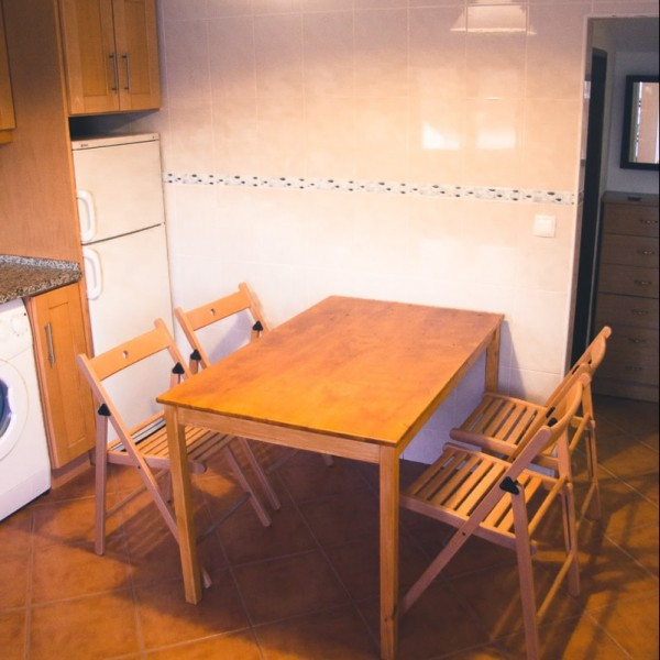 Küche in der Ferienwohnung in Baleal