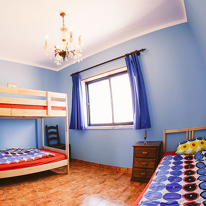 hostel room for three in baleal