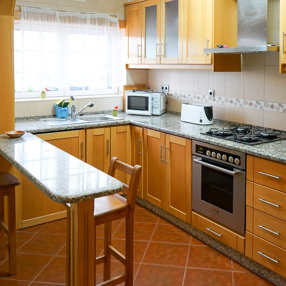 Küche und Wohnzimmer in der Ferienwohnung 6