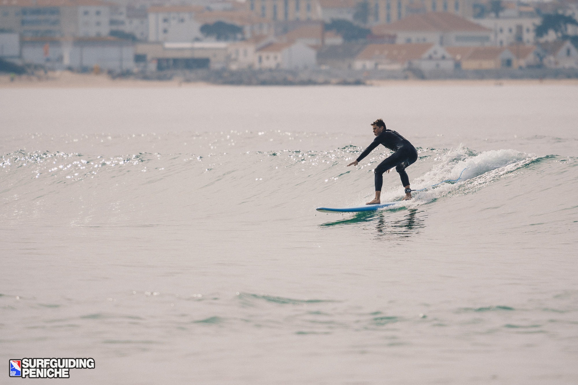 Clean waves in Peniche
